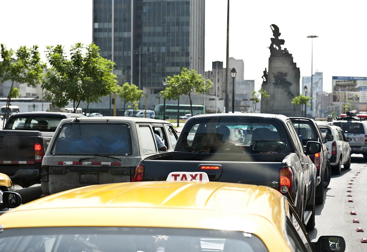 Cómo reducir el estrés de manejar por las calles de Lima