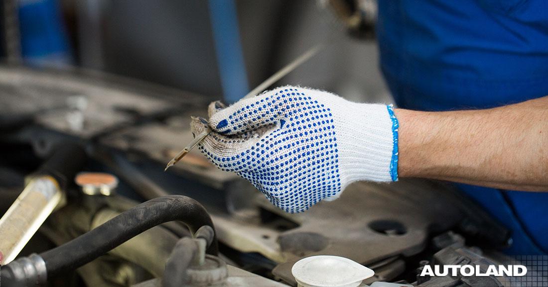 ¿Sabes cómo revisar el nivel de aceite de tu auto?